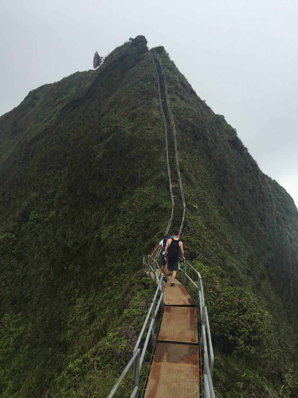 San Diego Motorcycle >> Haiku Stairs – Stairway to Heaven | Flea The Race